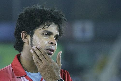 Harbhajan slaps Sreesanth