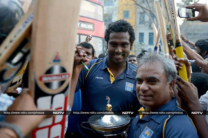 Asia Cup champions Sri Lanka return home to rousing reception