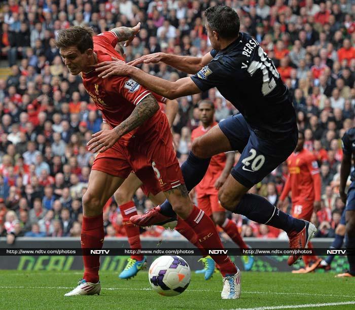 Sturridge stuns Manchester United; Giroud seals derby