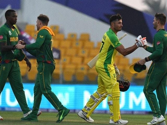 Photo : टी20 विश्व कप: ऑस्ट्रेलिया ने सुपर 12 ओपनर में दक्षिण अफ्रीका को पांच विकेट से हराया