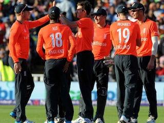 India Lose T20I vs England Despite Kohli Heroics