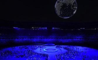 टोक्यो ओलंपिक: ओपनिंग सेरेमनी का भव्य आयोजन, देखें तस्वीरें....