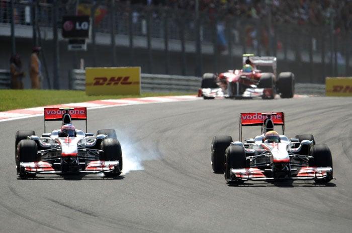 Turkish GP: Vettel triumphs