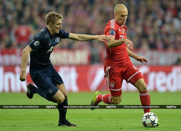 Champions League: Barcelona knocked out, Bayern thrash Man United