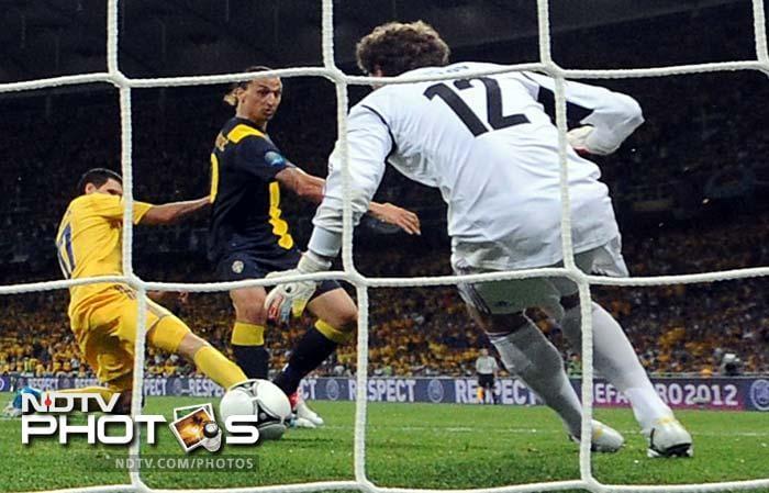 Euro 2012: Shevchenko gives Ukraine opening win