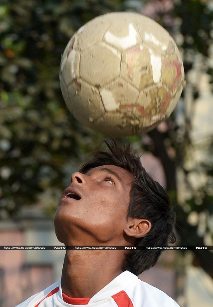 Underprivileged Indian boys to train with Manchester United