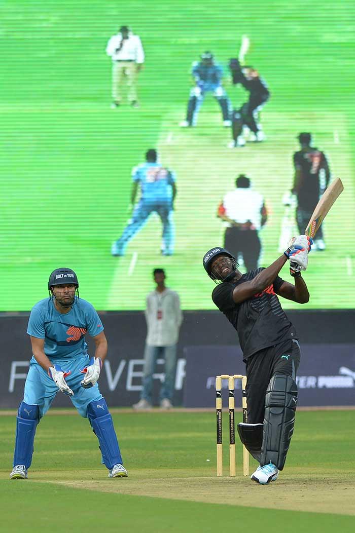 Usain Bolt Charms India, Shows Off Cricketing Skills