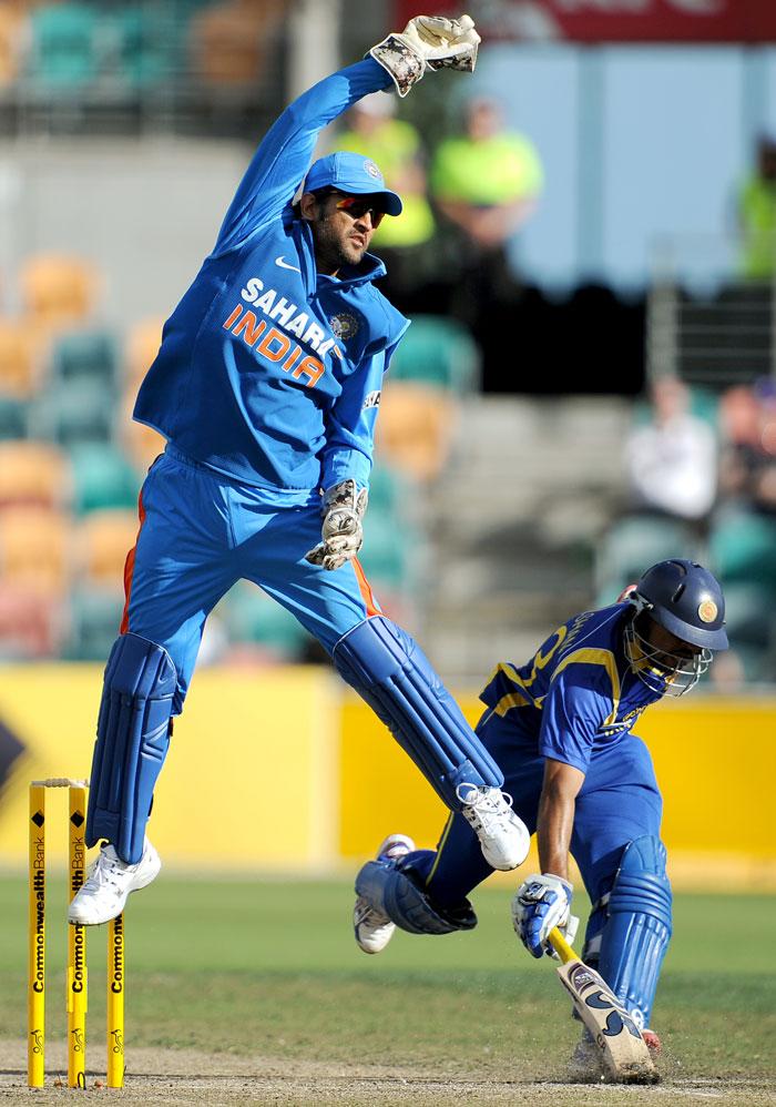 India's qualification hopes alive as Kohli dismantles Sri Lanka