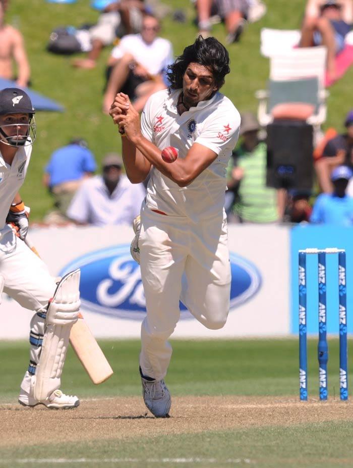 Wellington Test:: Brendon McCullum frustrates India on Day 3