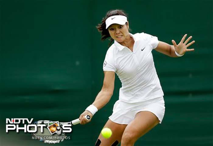 Wimbledon, Day 2: Djokovic, Serena, Radwanska ease into second round