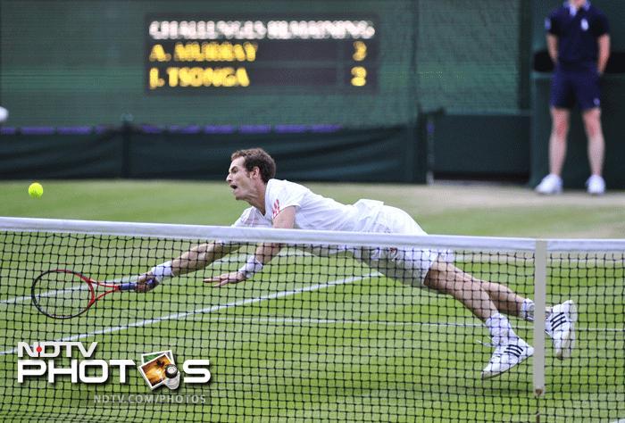 Wimbledon 2012: Murray beats Tsonga to set up final with Federer