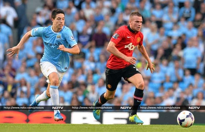Manchester City rout United in derby match