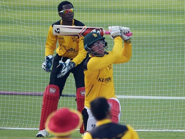 Photo : Zimbabwe Cricketers Train Under Heavy Security Cover in Pakistan