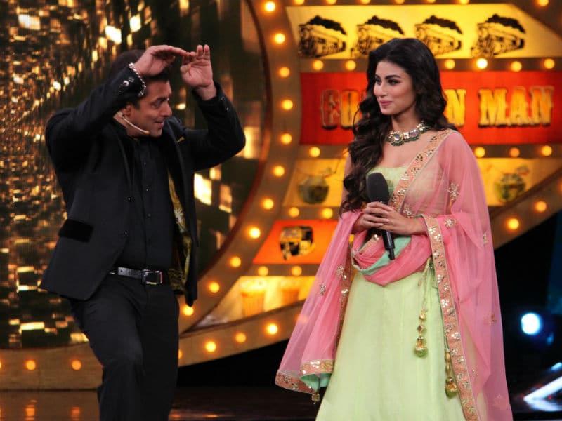 Photo : सलमान खान ने मौनी रॉय के साथ किया नागिन डांस
