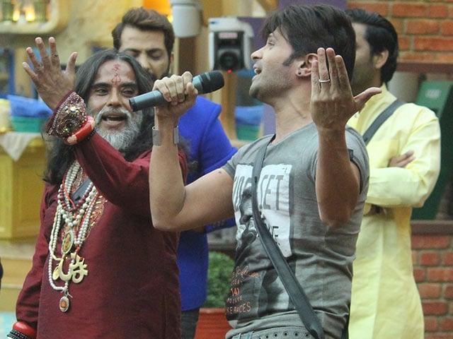 Photo : बिग बॉस: हिमेश रेशमिया  के गाने पर थिरके घरवाले, जमकर की मस्ती