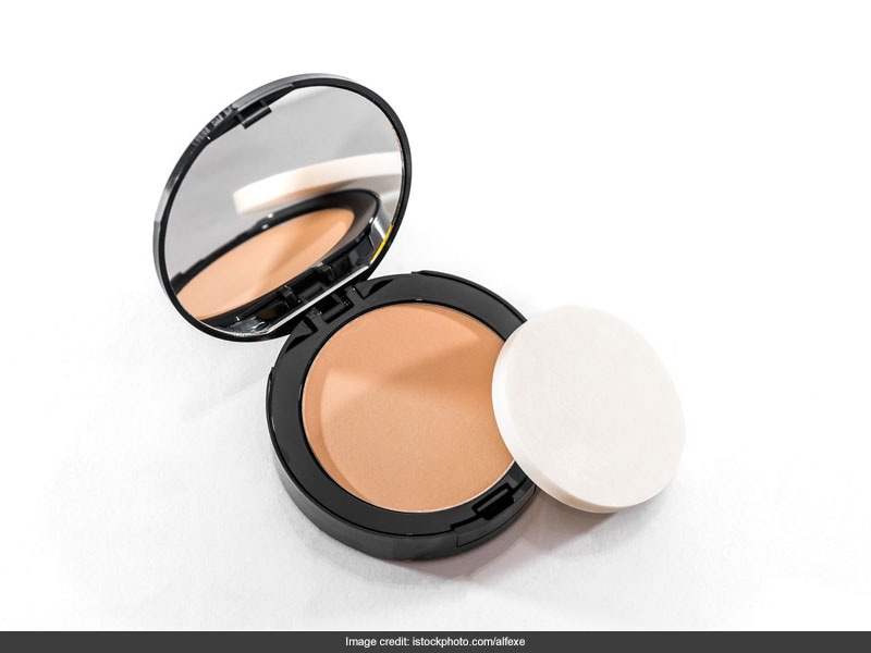 5 Amazing Compact Powders Under Rs 500 For The Perfect Finish