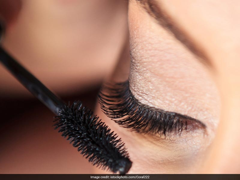 6 Amazing Mascaras To Add Instant Volume To Your Lashes