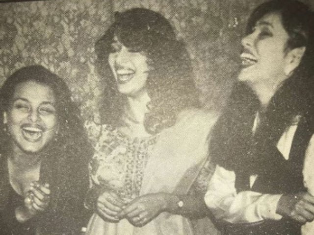 Guess Who Are The 2 Actresses In This Pic With Madhuri Dixit