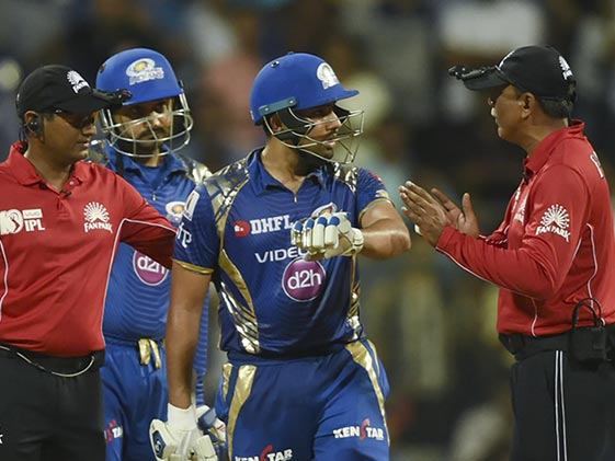 IPL 2017: Rohit Did Not Shout at Umpire, Says Harbhajan