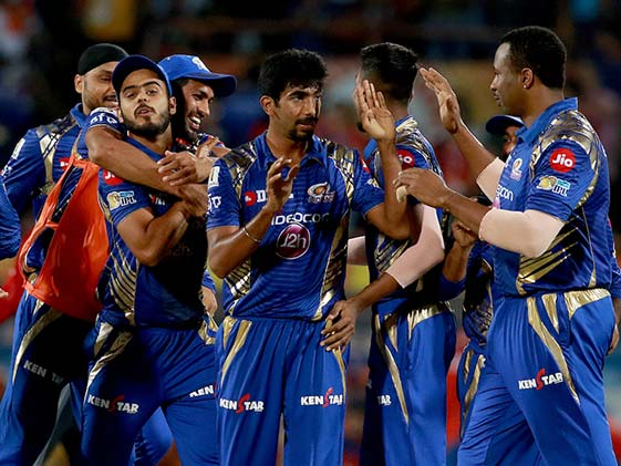 Mumbai Indians Clinch Victory in Super Over vs Gujarat Lions