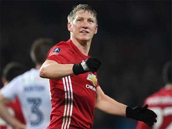 Bastian Schweinsteiger Signs For Chicago Fire: Manchester United