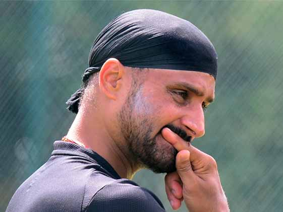 Harbhajan Singh, Who Predicted Series Whitewash, Trolled by David Warner