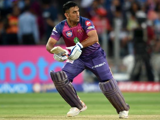 MS Dhoni With Kolkata Knight Riders in IPL 2018? Shah Rukh Khan Says This