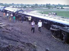Live Coverage: Over 300 Rescued After Twin Train Derailment in Madhya Pradesh