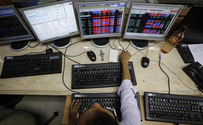 Sensex Makes A 1,100-Point Swing Over Close Fight in Gujarat