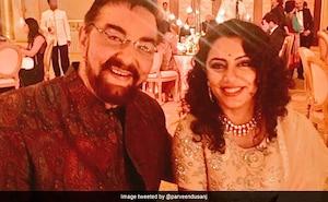 4 शादियां और पत्नी बेटी से 5 साल छोटी, Photos में देखें Kabir Bedi की लव लाइफ