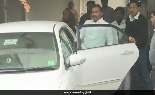 A Raja In Court For 2G Verdict, 500 DMK Men Crowd Outside: 10 Facts