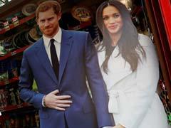 """Madhouse"": Tourists Soak Up Royal Wedding Fever"