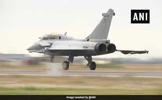 '36 Rafale Jets 9 Per Cent Cheaper,' Says Dassault CEO Amid Row Over Deal