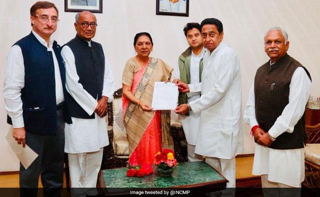 मध्य प्रदेश में कांग्रेस का वनवास खत्म, राज्यपाल से मिल सरकार बनाने का दावा पेश किया