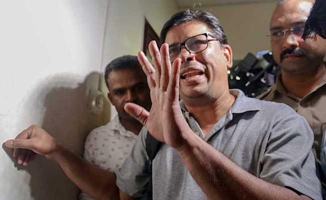 भीमा कोरेगांव हिंसा के सिलसिले में मानवाधिकार कार्यकर्ता, वकील, पत्रकार गिरफ़्तार