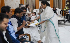 Mamata Banerjee Played Perfect Host At Opposition Meet. Pics Are Proof