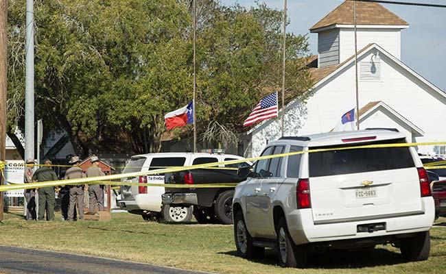 अमेरिका के टेक्सास के चर्च में हुई गोलीबारी, कम से कम 26 लोग मारे गए : मीडिया रिपोर्ट