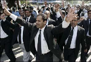 दिल्ली : भी छह जिला अदालतों के वकील रहेंगे हड़ताल पर