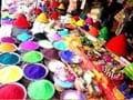 चीनी रंग और पिचकारियों से पटा होली बाजार