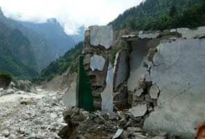 उत्तराखंड में भारी बारिश से लोग परेशान, राहत अभियान ठप