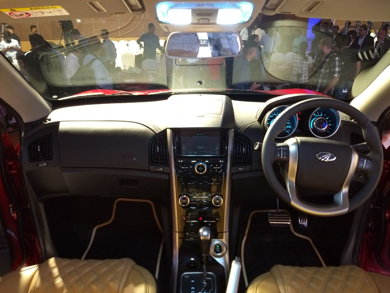2018 Mahindra Xuv500 Facelift India Launch Highlights Price Images