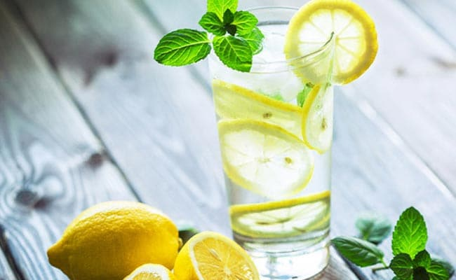 Drinking Lemon Water In The Morning Could Lead To These Amazing Benefits