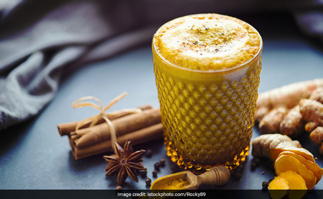 Quick To Make Turmeric Drink For An Instant Boost To Metabolism And Immunity