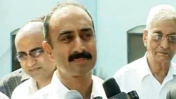Video : Anti-Modi cop Sanjiv Bhatt granted bail