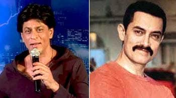 Video : SRK wants to sing, Aamir has a new friend