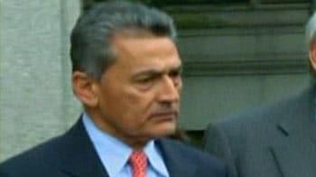 Video : Rajat Gupta pleads not guilty, released on $10-mn bail
