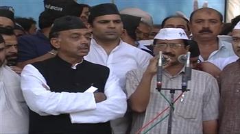 Video : Kejriwal hijacks BJP protest against power prices in Delhi