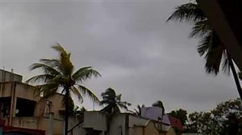 Video : Surfer video shows Chennai weather hours before Cyclone Nilam