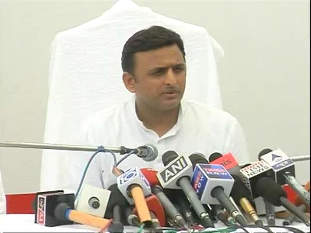 Video : Akhilesh vows to book UP rioters under National Security Act