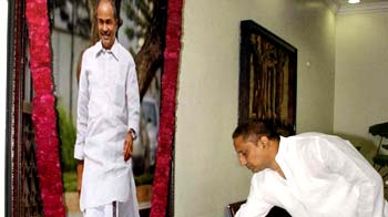 Video : Kiran Reddy sworn-in as Andhra Chief Minister